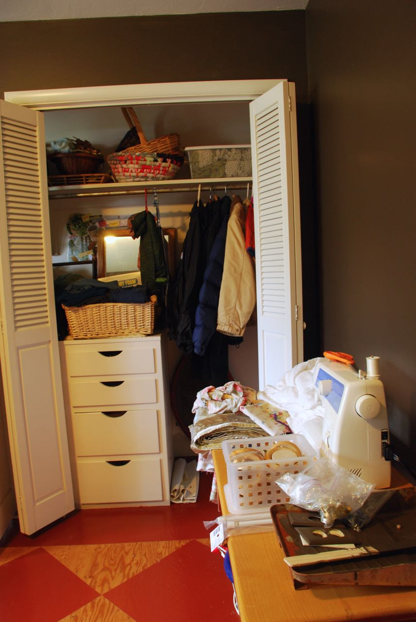right side front closet-full.jpg