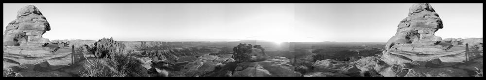 Canyonlands Orange Cliffs Overlook 2017.jpg