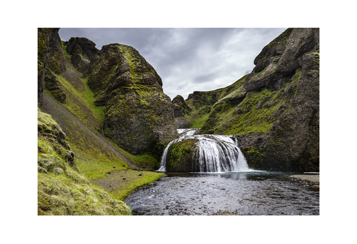 Iceland 19x13 summer falls.jpg