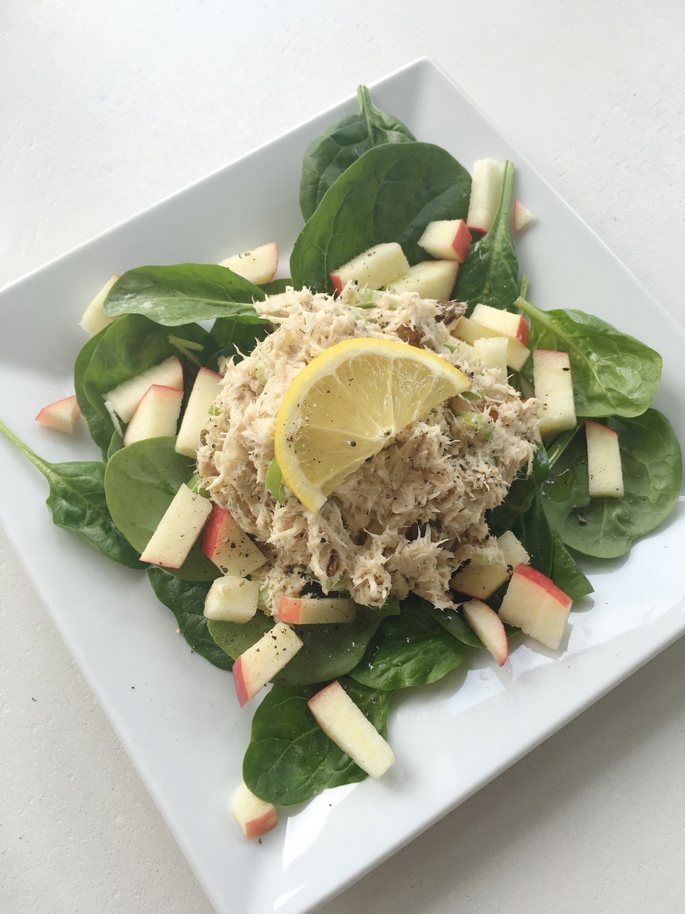 GOLDEN RAISIN TUNA SALAD
