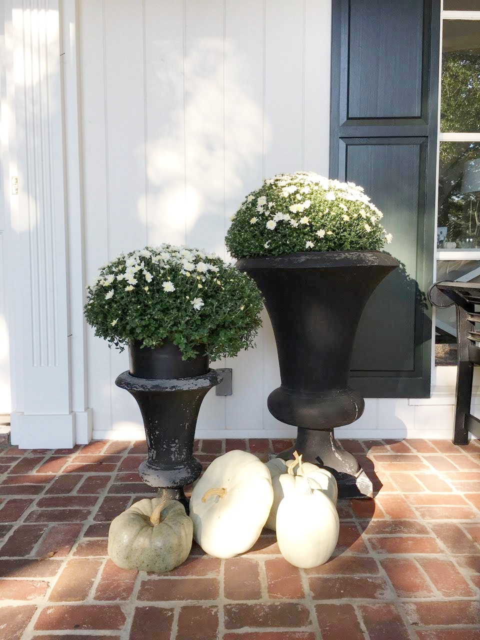 Fall Front Porch White Mums