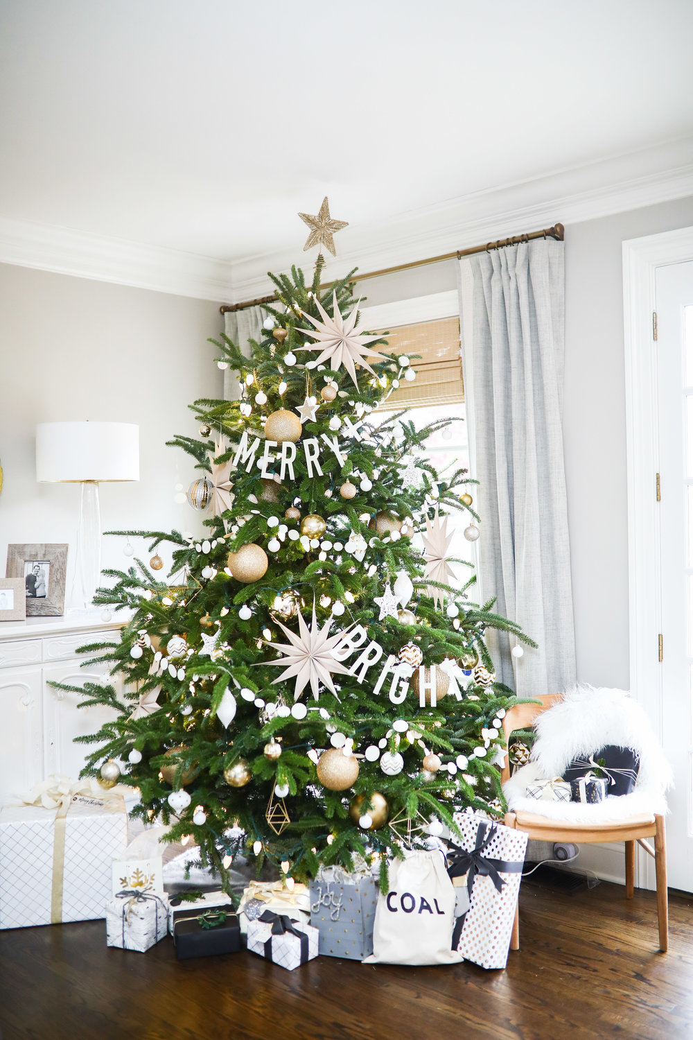 WHITE + GOLD CHRISTMAS DECOR — Living With Landyn - photo#31