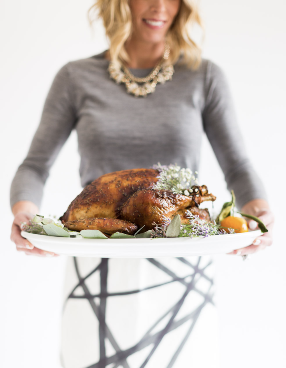 The season to - gather around the table is here. I cannot wait to share good food and good memories with all of my family and friends. To make your Thanksgiving planning a little easier, I have complied all of my Thanksgiving content into one place for you. That's right! All my recipes, tablescapes and outfit inspiration for Thanksgiving all on one page. Whether you are looking to plan your Thanksgiving menu, decorate your Thanksgiving table, or pick your outfit for the day, you do not have to look any further than this page.Happy Thanksgiving!Xx,Landynphoto | alyssa rosenheck photography