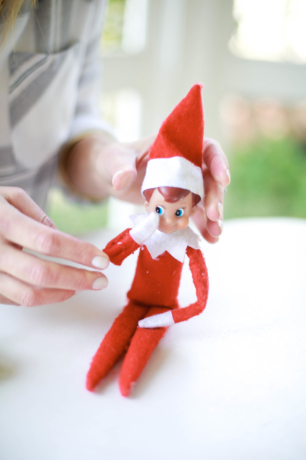 how to use glue dots to position your elf