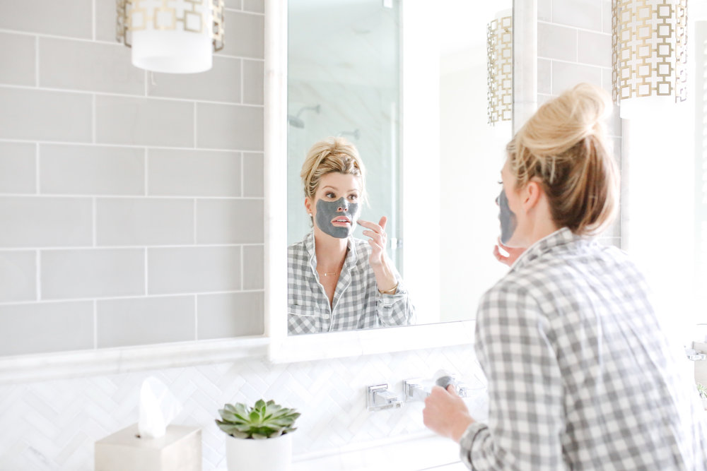 self care tip- pamper yourself by putting on a face mask