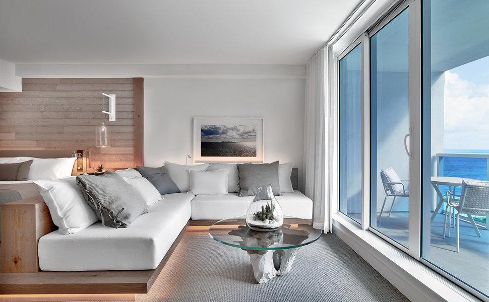 hip-lounge-luxury-scenic-views.jpg