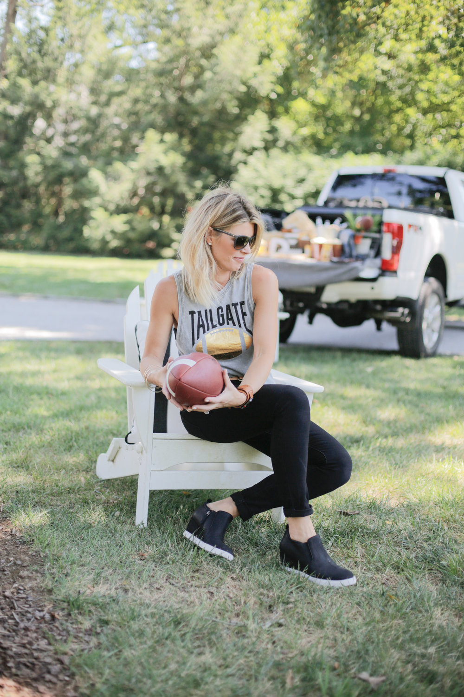 GAME DAY APPAREL    DIY NFL SHIRT — Living With Landyn 2d3d705ce