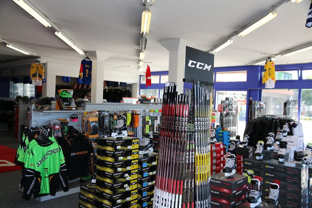 Conte Hockeyshop Zürich - Zürichstrasse 988600 Dübendorf+41 43 553 13 14