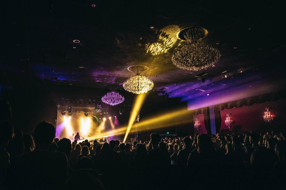 noah-gundersen-concert-el-rey-theatre-los-angeles-kirby-gladstein-2017-7