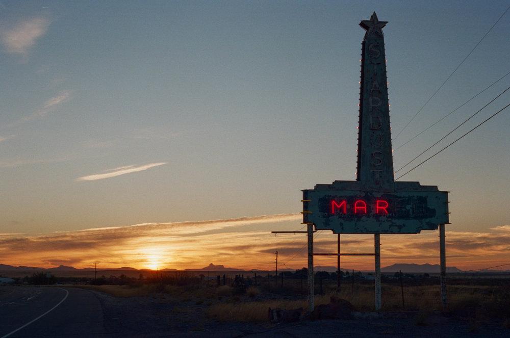 road-trip-marfa-texas-sunrise-stardust-portra-160-1