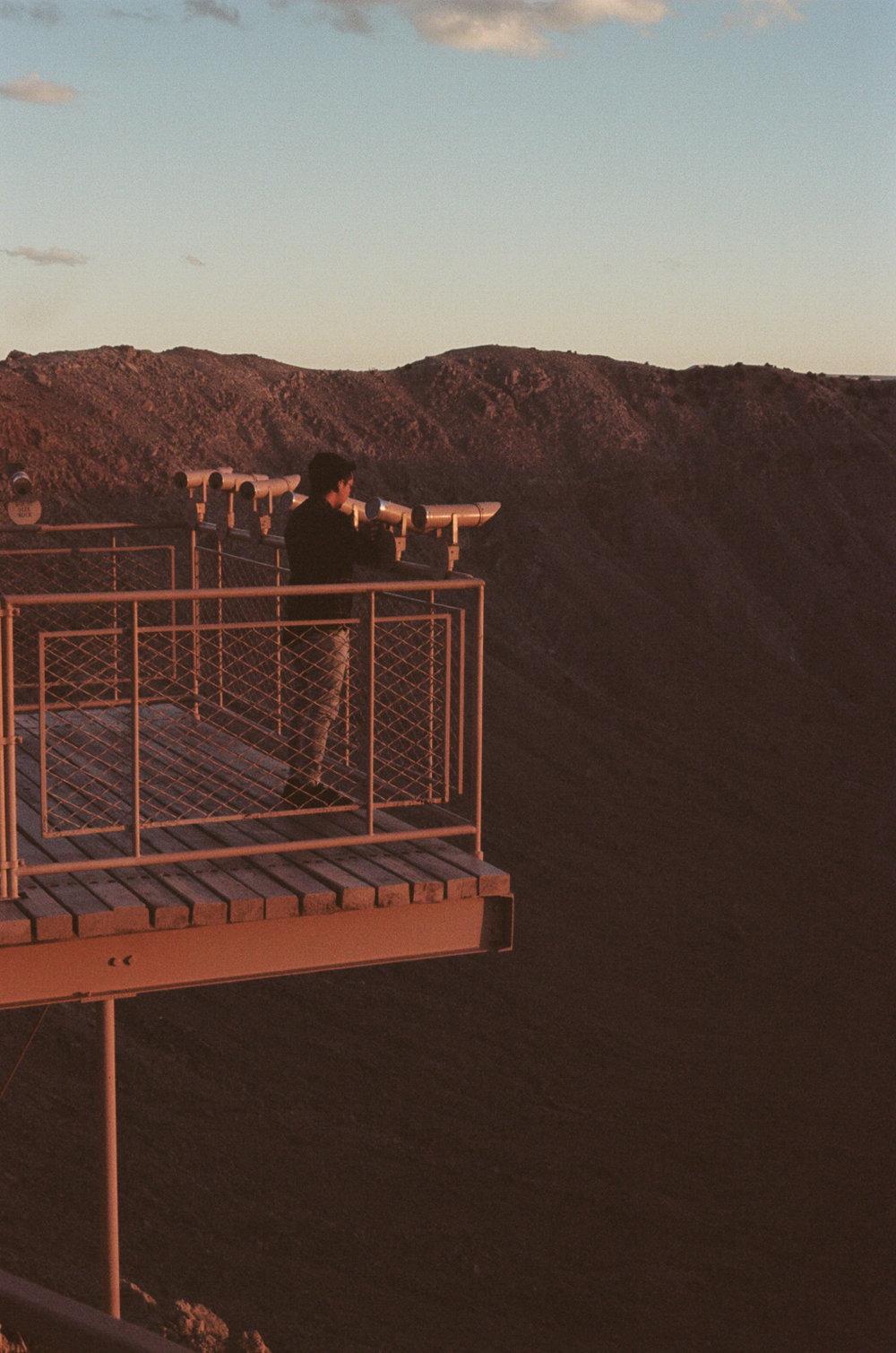 road-trip-arizona-meteor-crater-anderson-portra-160-3