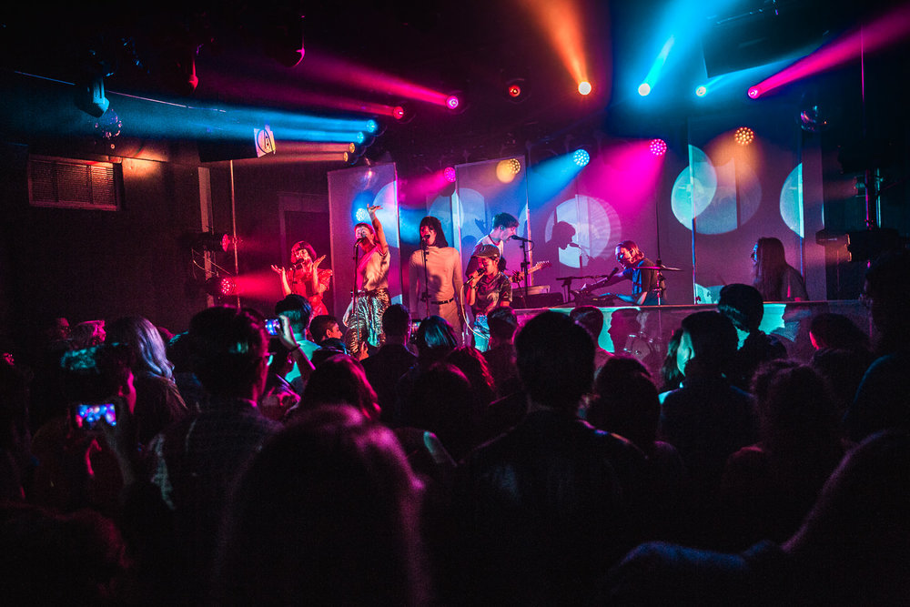 kirby-gladstein-photography-superorganism-concert-moroccan-lounge-los-angeles-14