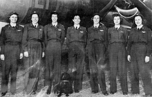 Edna David, third from left, with sister WASPs