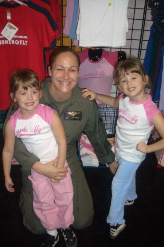 The softer side of grit: USMC officer Nothelfer with her twin daughters Bridget, left, and Alexis (Photo: She's Got Grit/Jen Nothelfer)