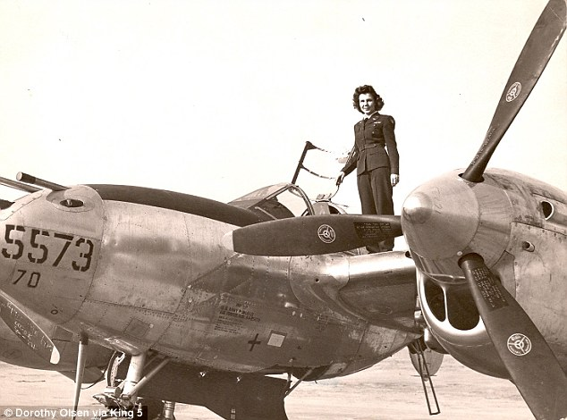 Dorothy Olsen & the P-38 Lightning (Photo: Dorothy Olsen)