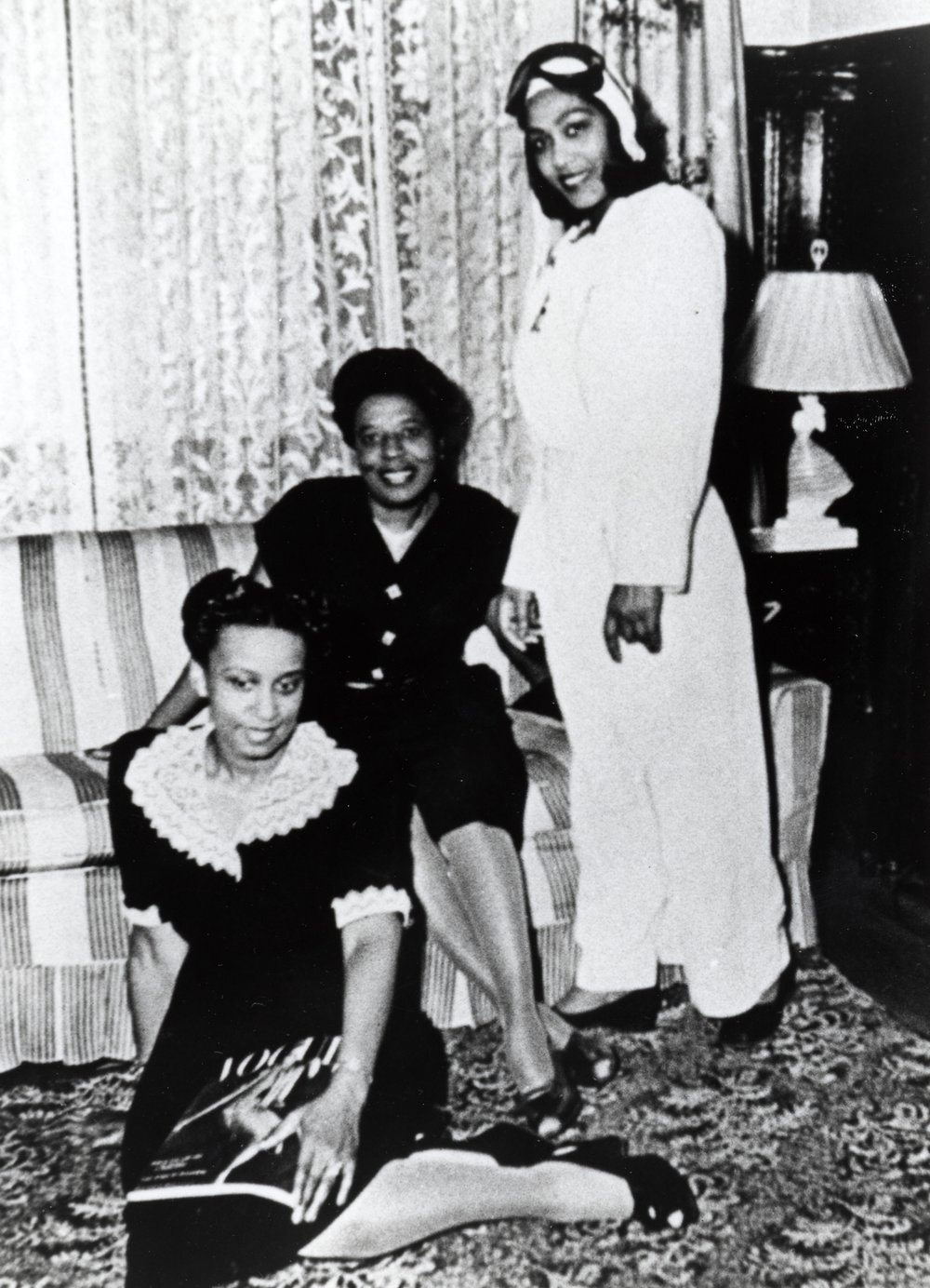 Janet Bragg & relatives, 1937. (Smithsonian)