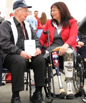 Tammy Duckworth at the 2010 ceremony honoring WWII veterans who fought in the Pacific. (Photo credit: Wikimedia Commons)