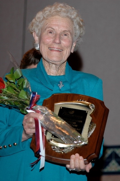 Iris after her induction into the Women Pioneer Hall of Fame at the International Women in Aviation Conference, 2007. (Photo: Airport Journals)