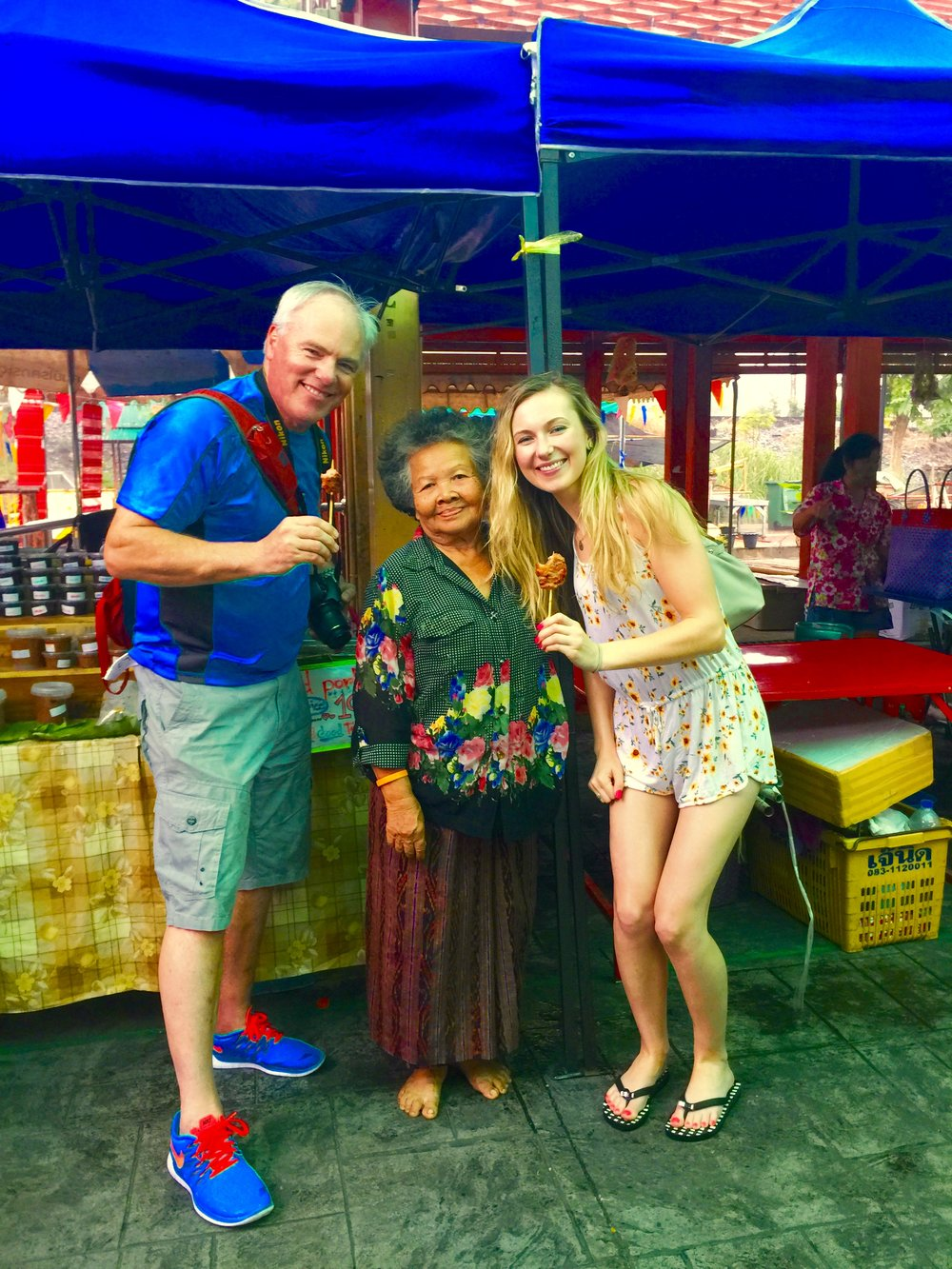 With our favourite Moo Ping vendor lady at the floating market - we went back 3 times it was so good!
