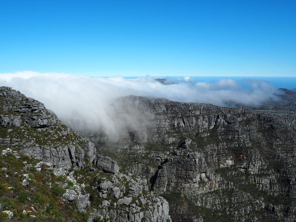 The white 'tablecloth' creeping in on top of Table Mountain