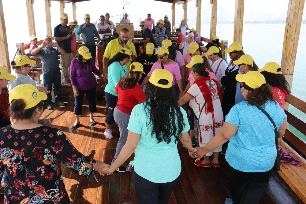 Danzando en las aguas del Mar de Galilea