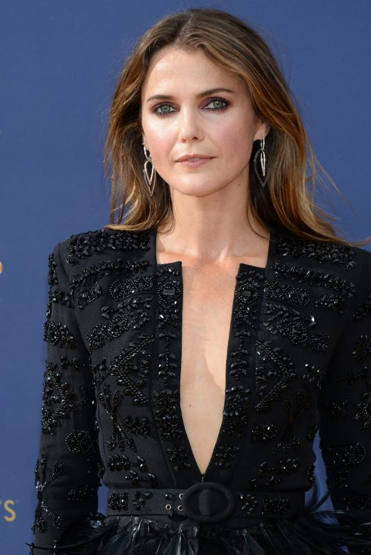 keri-russell-at-emmy-awards-2018-in-los-angeles-09-17-2018-6_thumbnail.jpg