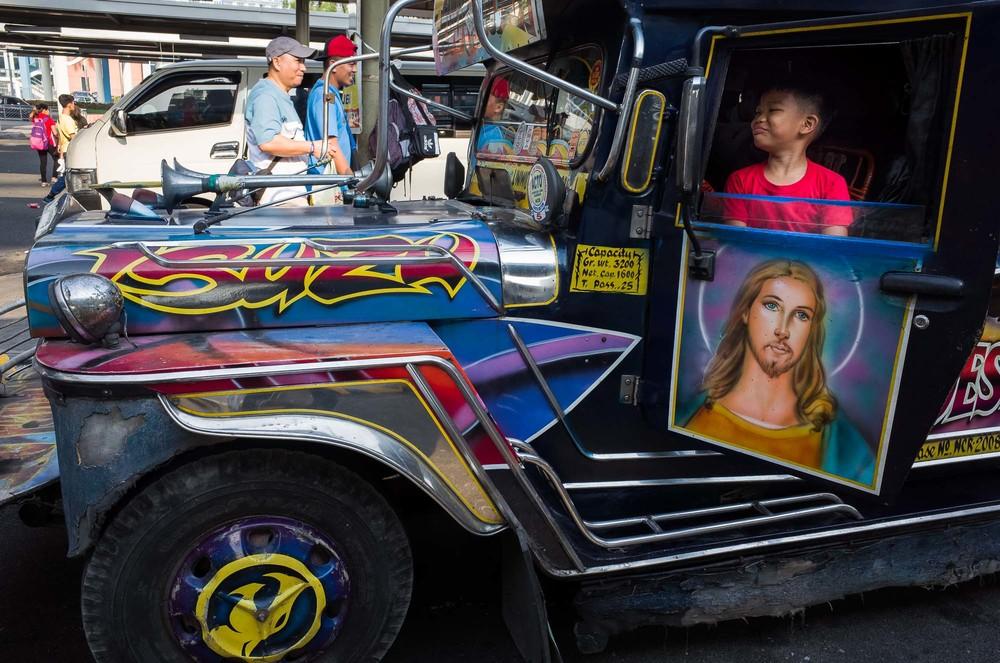 Manila_Bus_KL-2.jpg