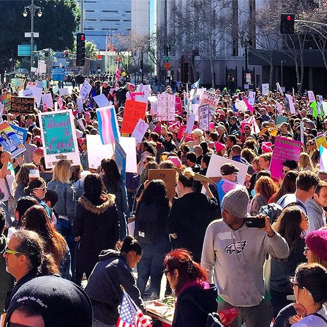 The beautiful sea of courageous souls marching together in perfect harmony! What an amazing sight to see and experience. The unity, Love & kindness showed today is proof that united, we are stronger together for #weareallthesame! May we always remember to fight for one another and put #humanityfirst! . #Blessyou #sneezeframe #unityindiversity #spreadlove #womensmarchla #womensmarch2018