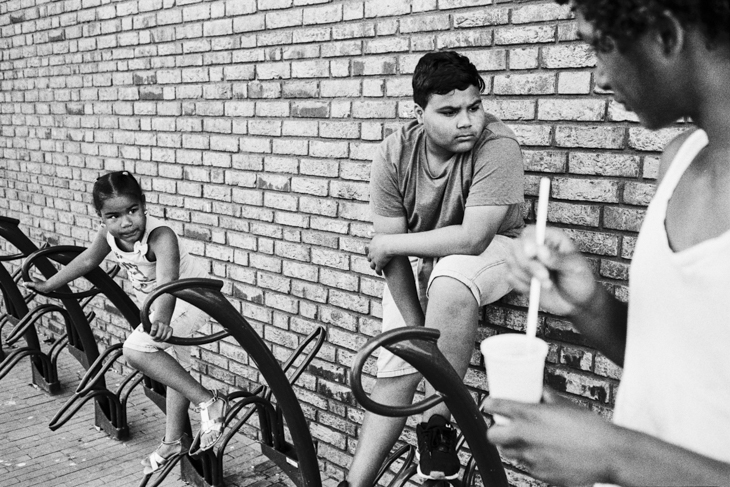 PALA KIDS | ZOETERMEER - Instead of focusing on the negative aspects that dominate Palenstein (Pala), Jaasir Linger focuses on the kids that live and play in this neighborhood.