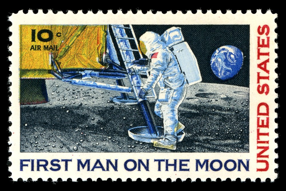 First_man_on_the_moon.jpg