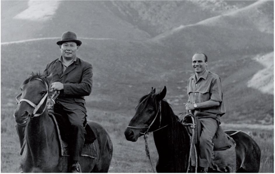 "Ryszard Kapuściński on the right, a photo from the exhibition Ryszard Kapuscinski: ""The poet of Reportage"""