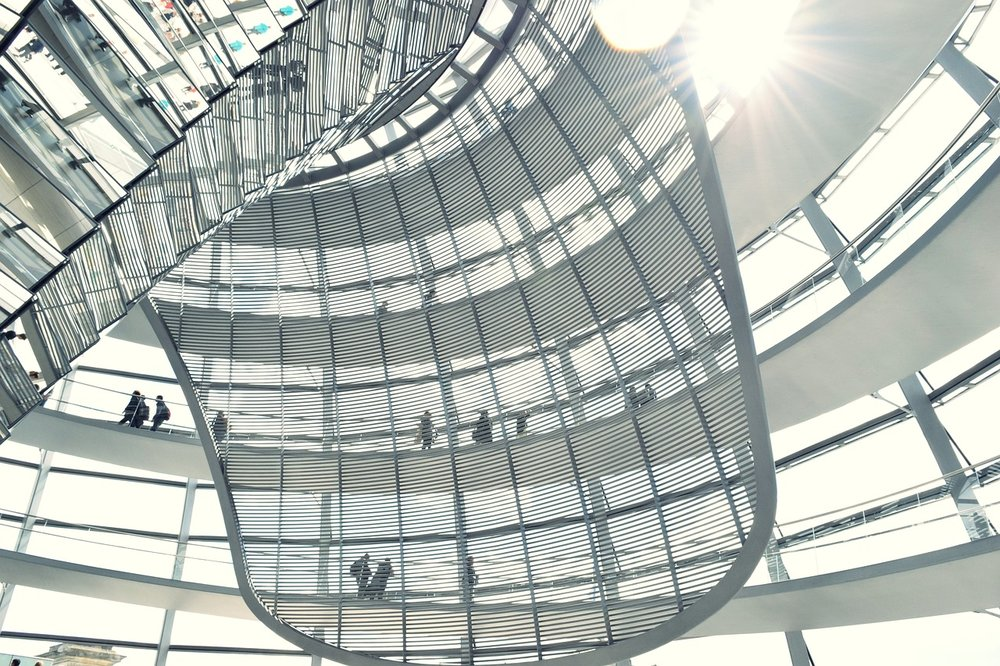 The inside of the Bundestag, seat of the German parliament (image: Pixabay)