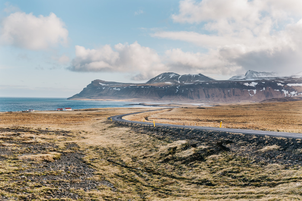Iceland Mountains www.thetravelpockets.com