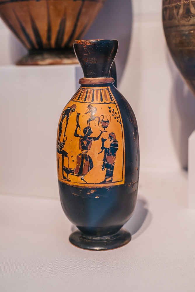 TMA Greek vase www.thetravelpockets.com