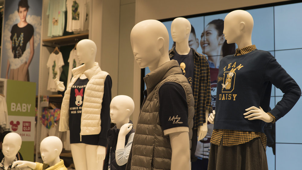 WE LOVE UNIQLO'S MANNEQUIN DISPLAYS