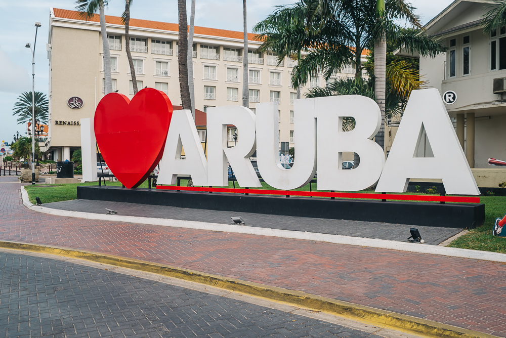 Aruba sign www.thetravelpockets.com