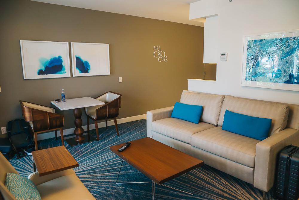 Aruba hotel living room www.thetravelpockets.com