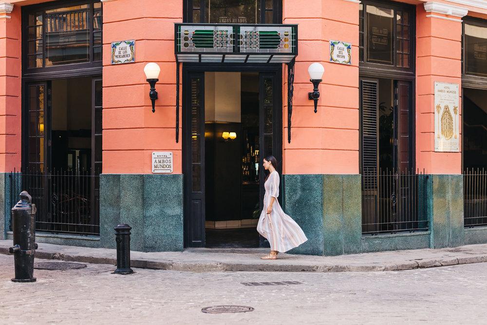 Front entrance to Hotel Ambos Mundos
