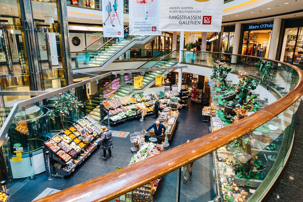 Grocery store at the mall connected to Grand Hotel Wien