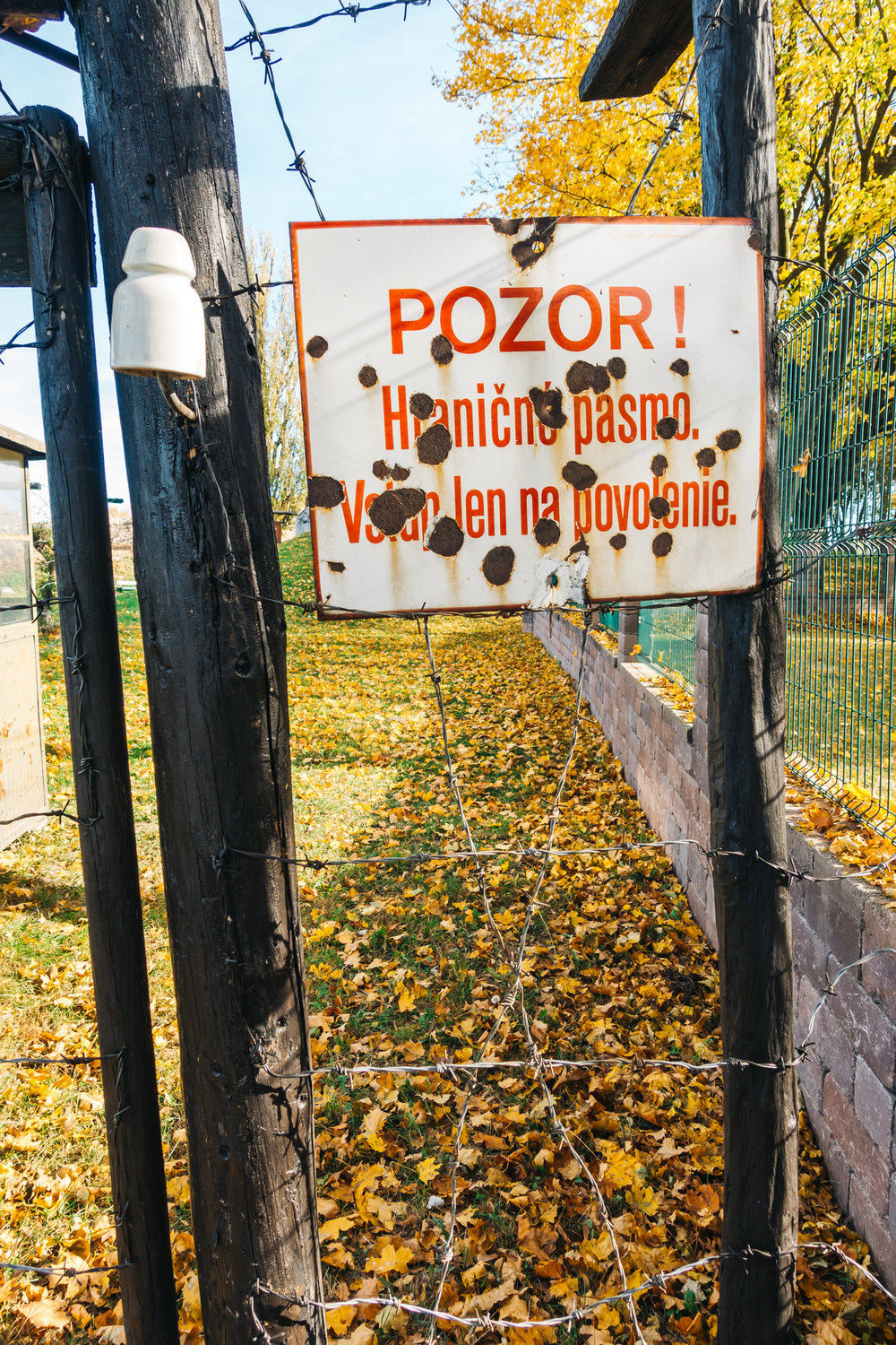 """Pozor!"" means ""Warning!"""