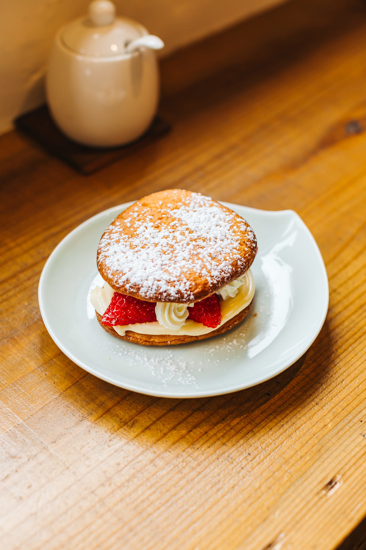 Strawberry Panbee Cake