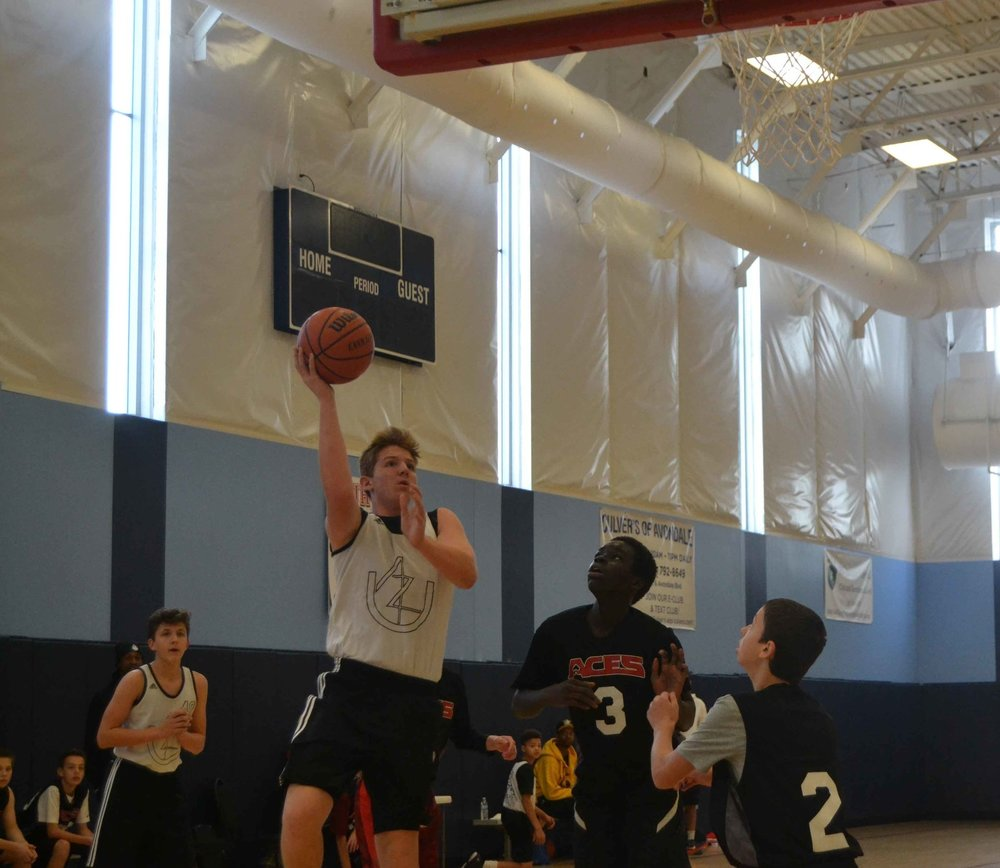 AZU's 7th Grade forward Liam Idsardi puts up a double-double against the AZ Aces (6/2016)