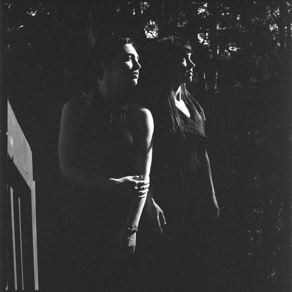 Ava&Sivia_FilmB&W011.JPG