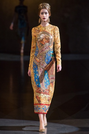 dolce-gabbana-rtw-fw2013-runway-03_112909391788-jpg_promotions_feature_tn.jpeg