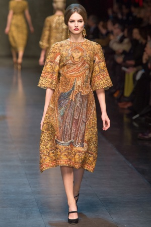 dolce-gabbana-rtw-fw2013-runway-06_112912980050-jpg_promotions_feature_tn.jpeg