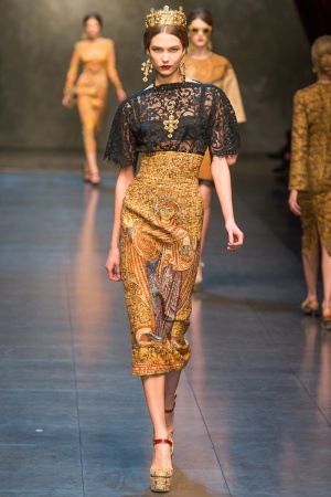 dolce-gabbana-rtw-fw2013-runway-11_112916122038-jpg_promotions_feature_tn.jpeg