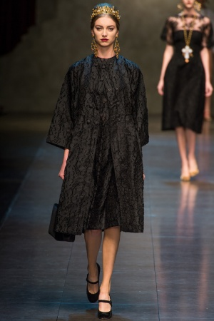 dolce-gabbana-rtw-fw2013-runway-32_11293254732-jpg_promotions_feature_tn.jpeg