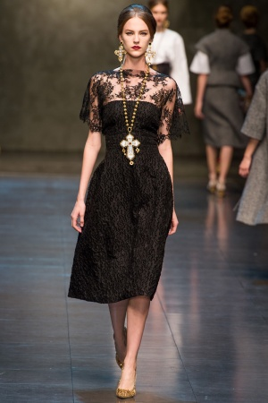 dolce-gabbana-rtw-fw2013-runway-33_112932240904-jpg_promotions_feature_tn.jpeg