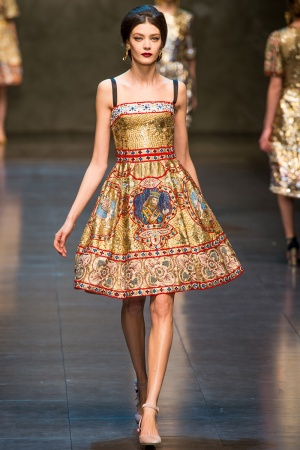 dolce-gabbana-rtw-fw2013-runway-72_113004610585-jpg_promotions_feature_tn.jpeg
