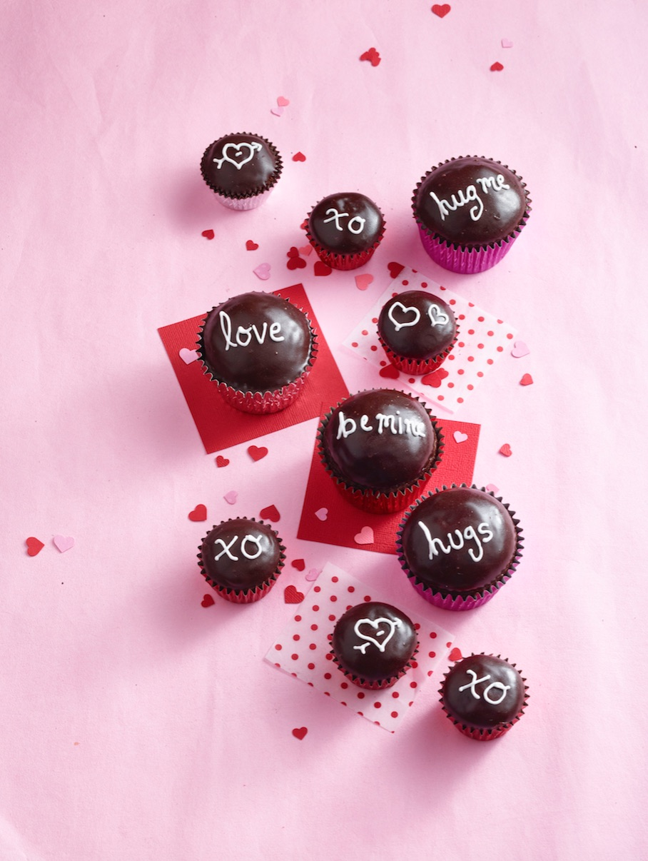 valentines cupcakes 2.jpg